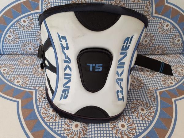 Dakine - T5