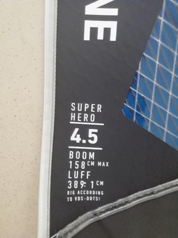 Duotone - super hero 4.5