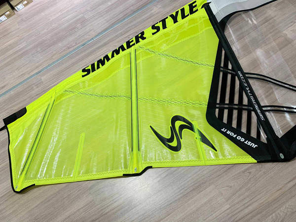 Simmer Style - Blacktip 2018 4.7 Expo